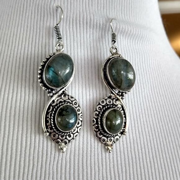 Jewelry - Just beautiful labradorite stamped 925 earrings